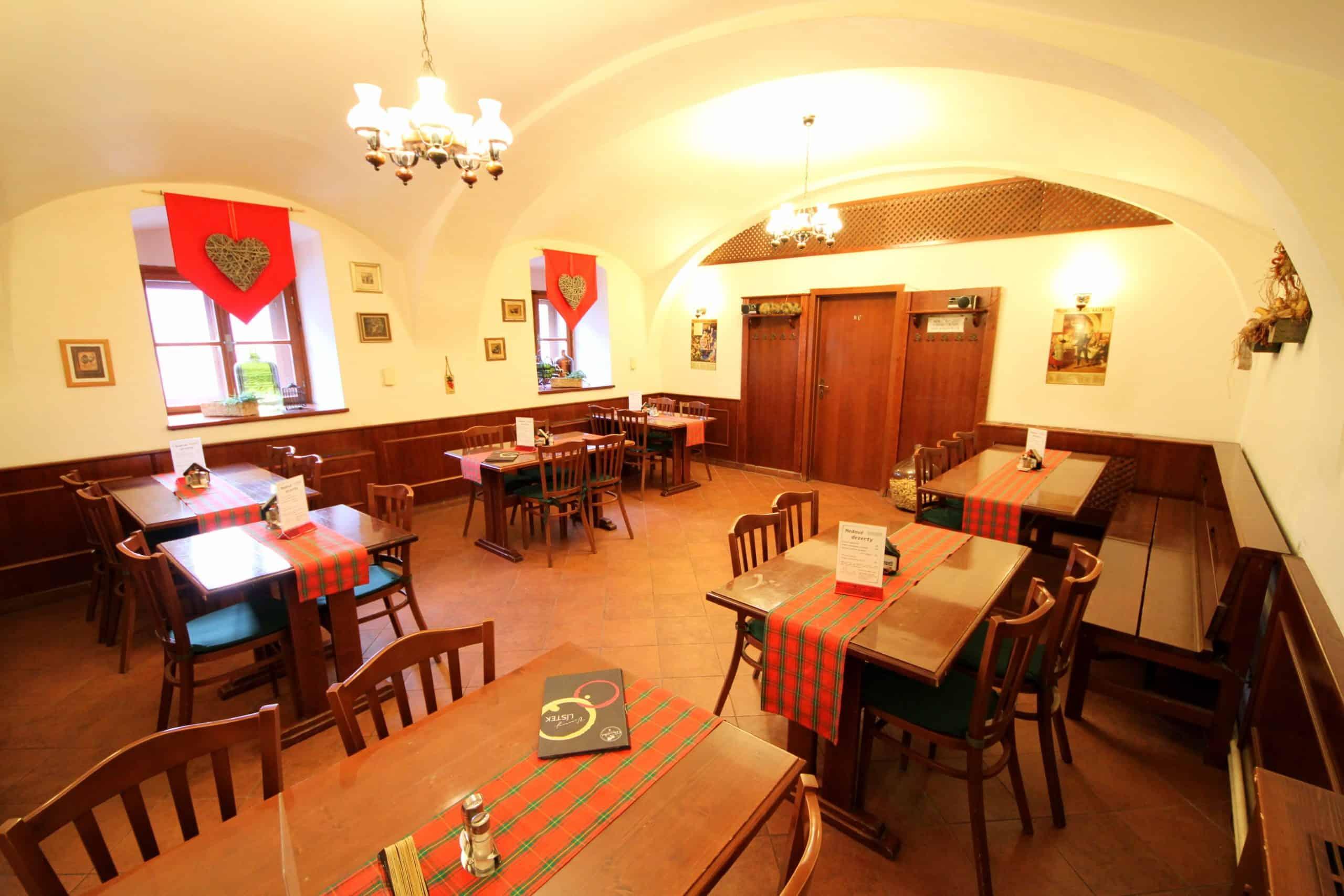 Hlavní místnost Restaurace U Rychtáře